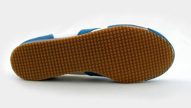 ... Botas CLASSIC 66 421 modrá obuv pro nohejbal ... d1bd395152